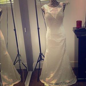 Wedding 👰 Dress Off White Lace